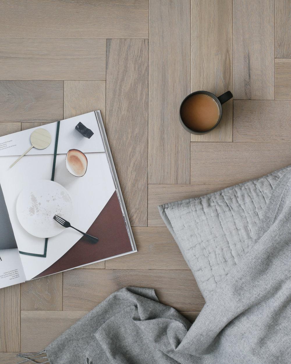 Goodrich Feather Oak i Design Hunter Studio.