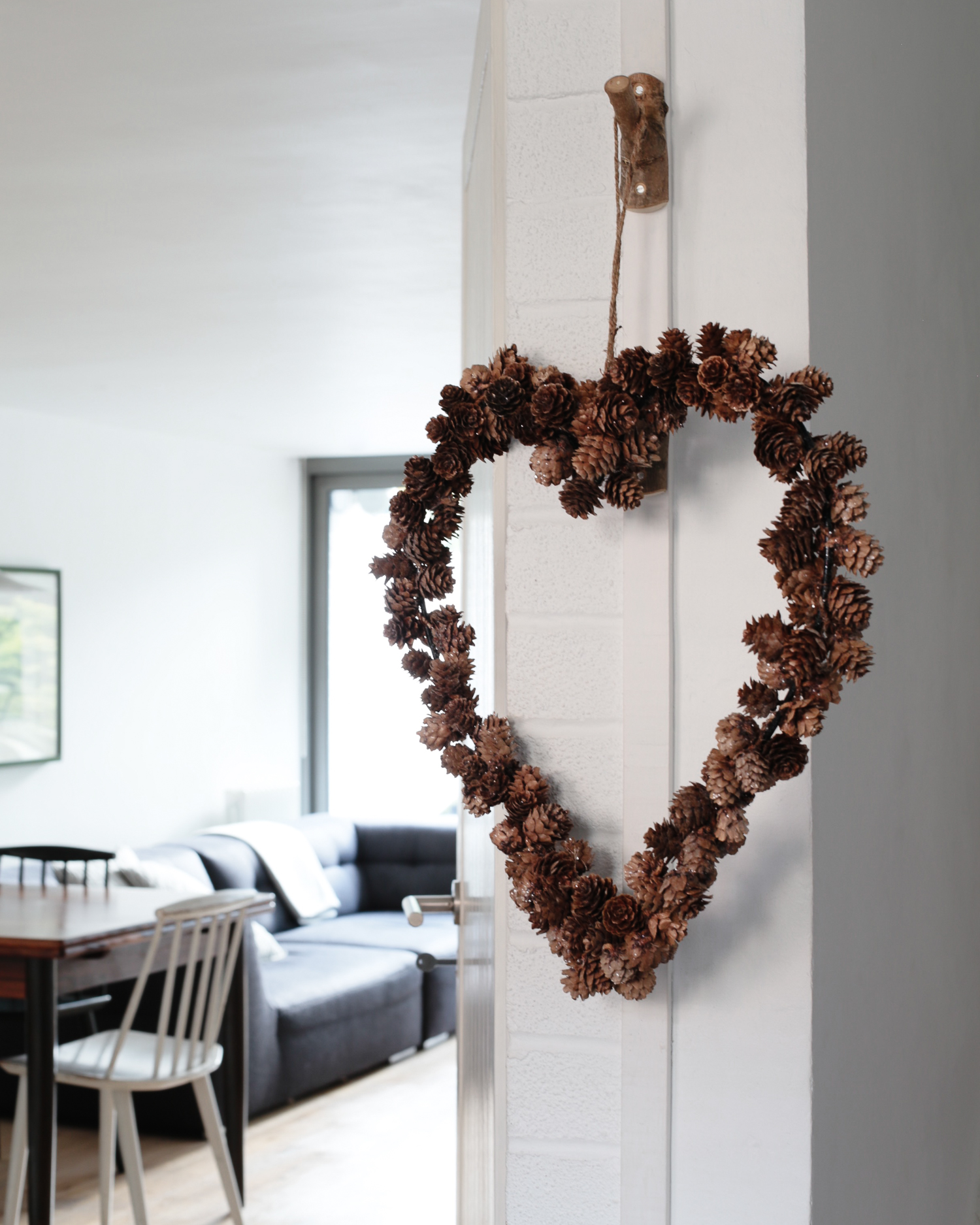 Pinecone heart wreath | The White Company | Design Hunter-1.jpg