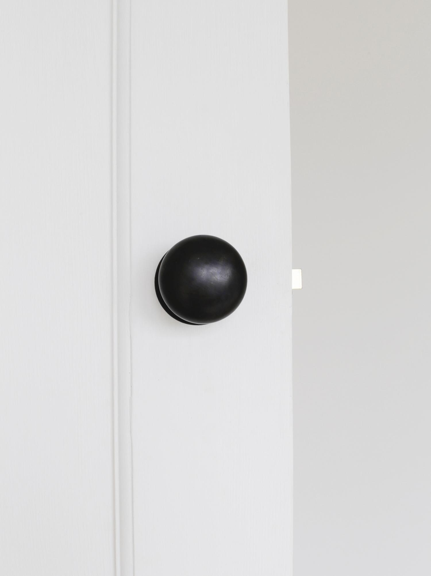 Bronze doorknobs | Design Hunter