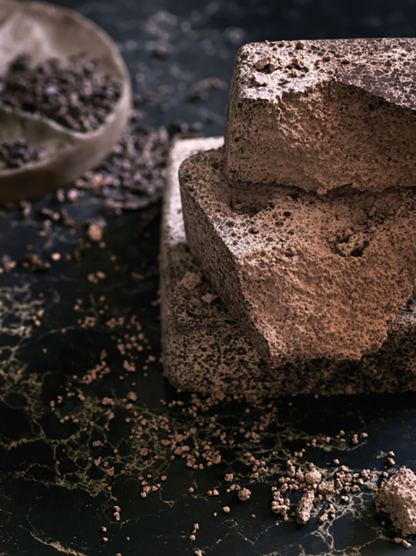 Caesarstone black worktop.jpg
