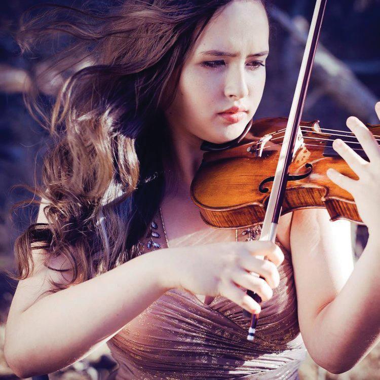 Alina Mink Kobialka, violin