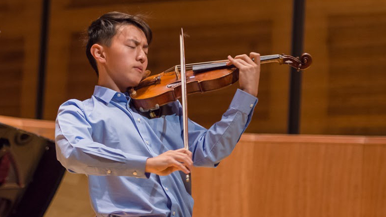 Alex Zhou, Violin