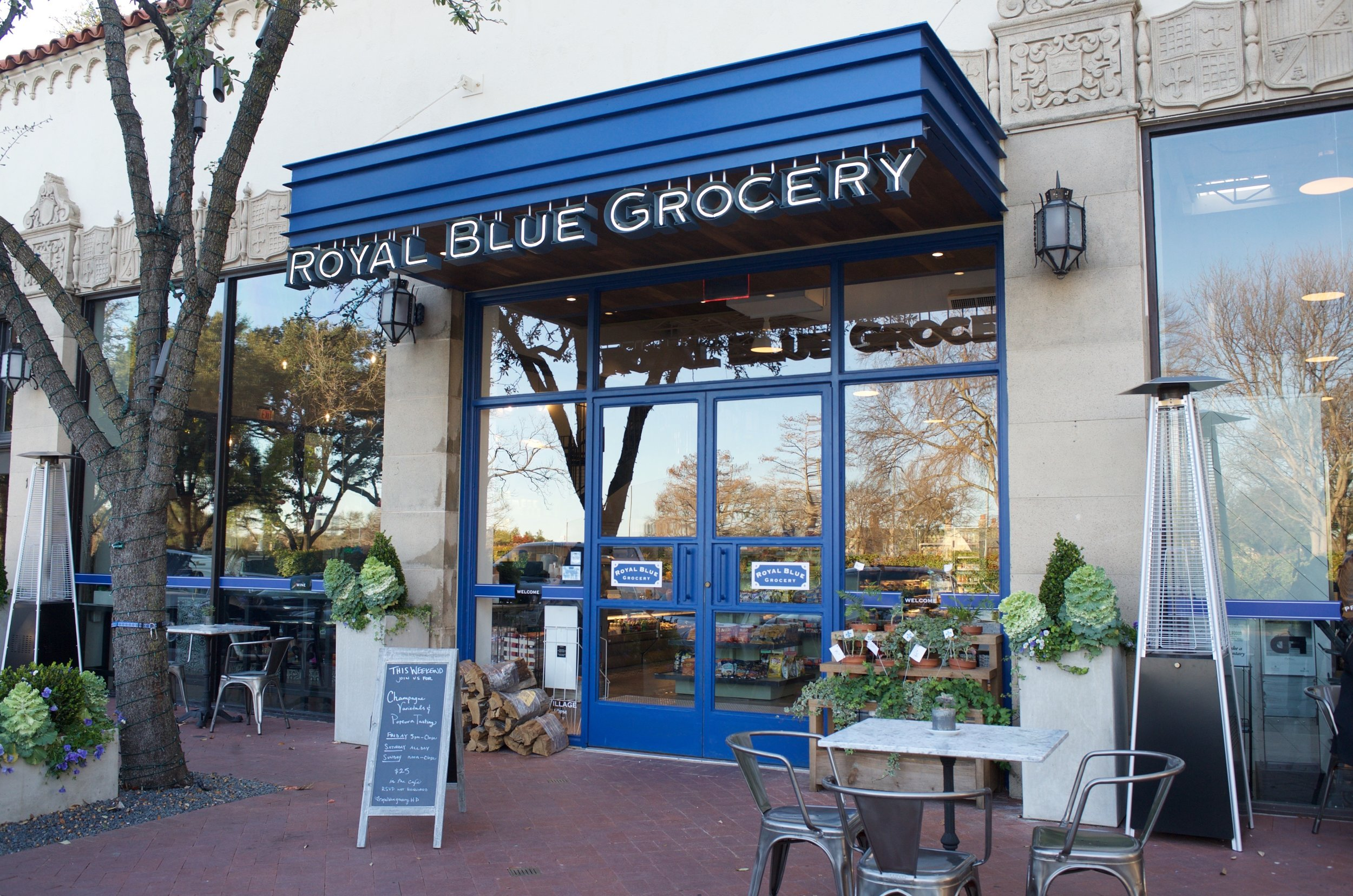 Royal Blue Grocery    Located in the center of Dallas at Highland Park Village, Royal Blue's modern urban grocery is the perfect place to relax and enjoy a snack or meal.    1 Highland Park Village | Dallas, TX | 75205  P: 214.526.9516  Monday-Sunday 7 AM - 10 PM