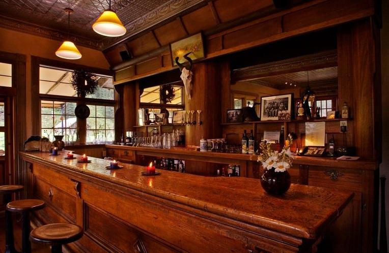 Dunton-Hot-Springs-Bar-1