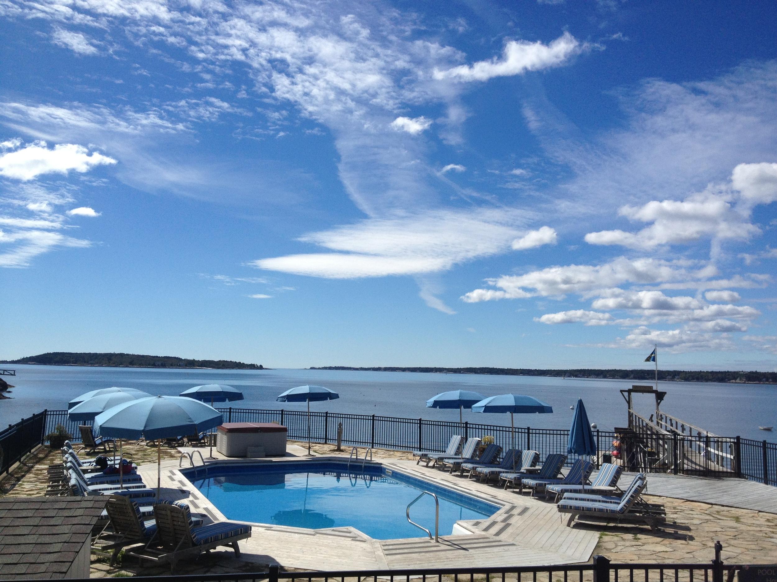 Spruce Point Inn pool