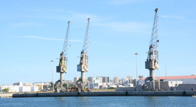 Aspeto do Cais Comercial de Faro, a principal porta de saída dos bens produzidos na Região do Algarve.