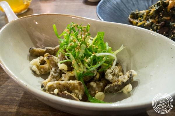 Mushroom tempuraat  Mokbar, Korean ramen in Chelsea Market