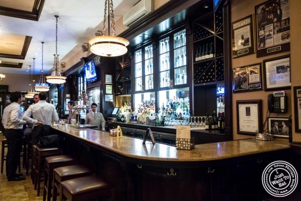 bar at Bobby Van's Grill in New York, NY