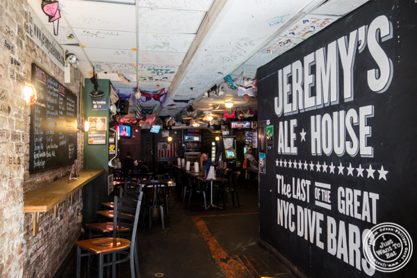 Entrance of Jeremy's Ale House in NYC, New York
