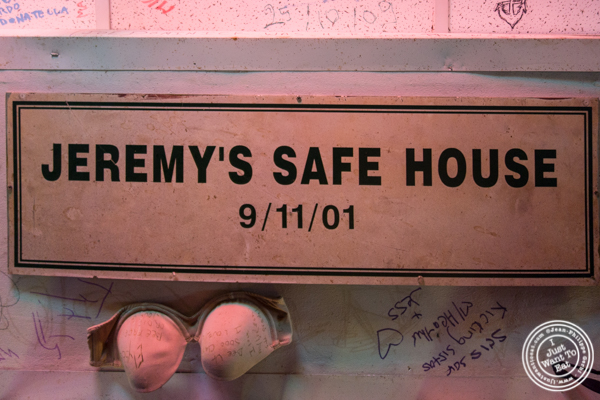9/11 plaque at Jeremy's Ale House in NYC, New York