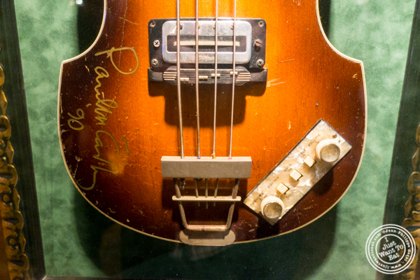 Paul Mc Cartney's guitar at Hard Rock Cafe in Times Square