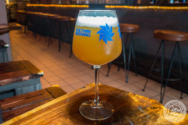 """Sloop """"juicy bomb"""" at The Baroness in Long Island City"""