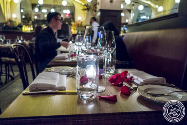 Table with rose petals at Boucherie Park Avenue South