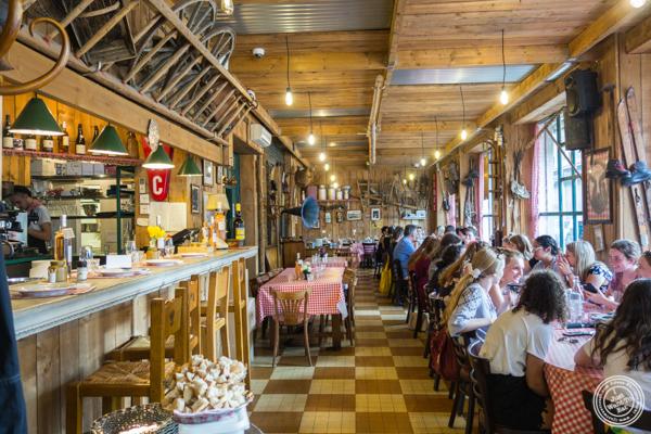 Dining room at La Ferme a Dédé in Grenoble, France