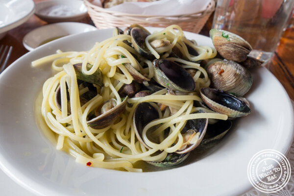 Linguine alle vongole at Morandi in Chelsea