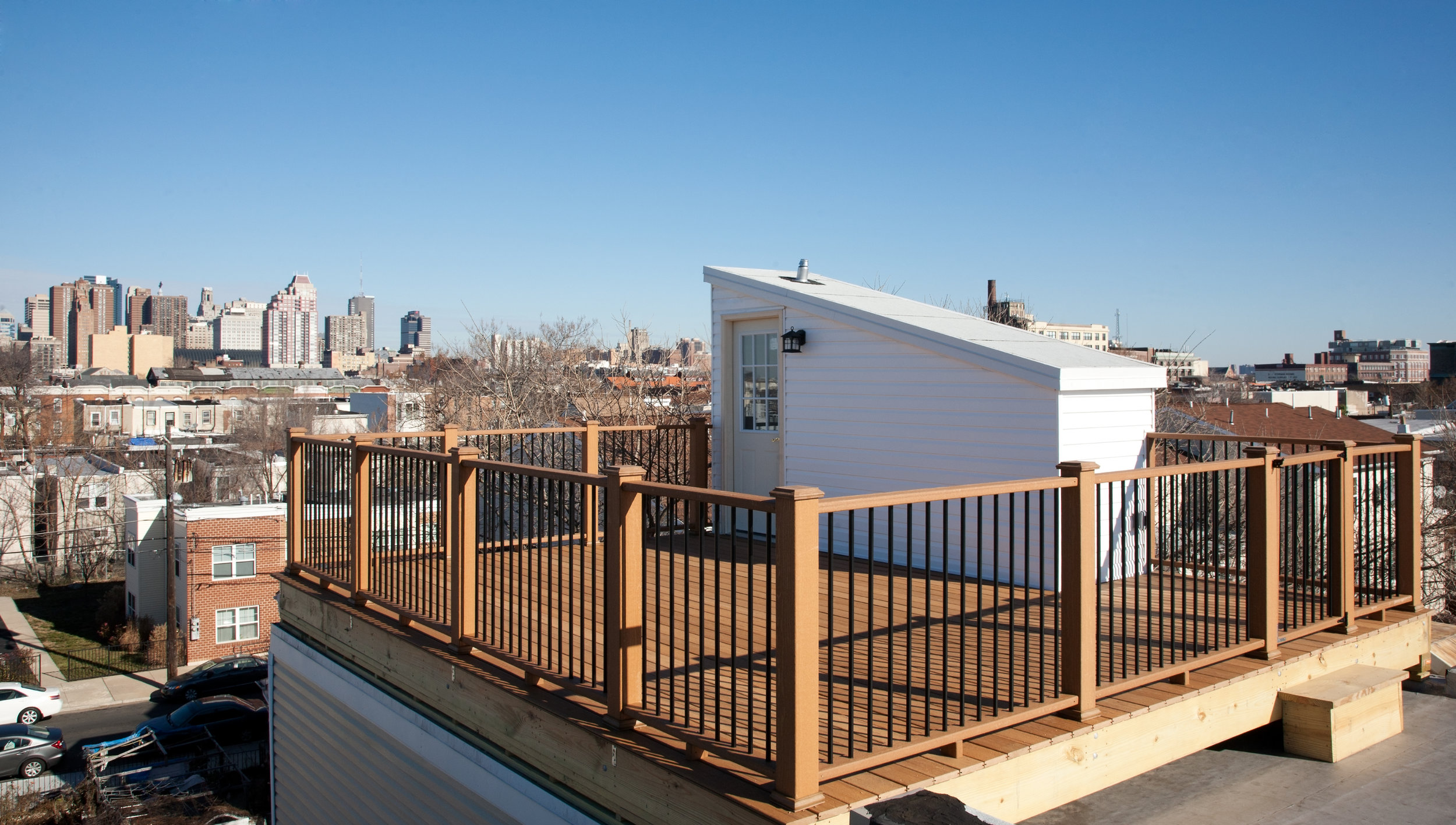 3RD STORY DECK WITH PILOT HOUSE (THAT VIEW!)