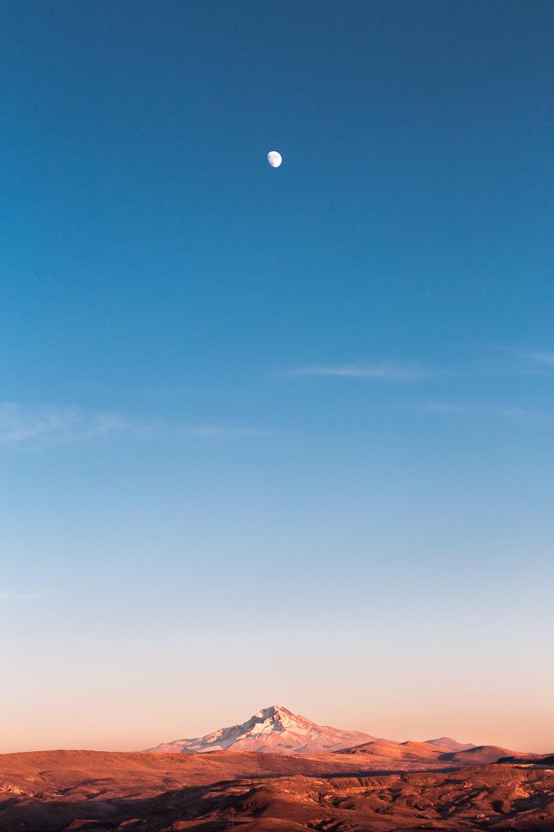 Mount Erciyes Moonrise.jpg