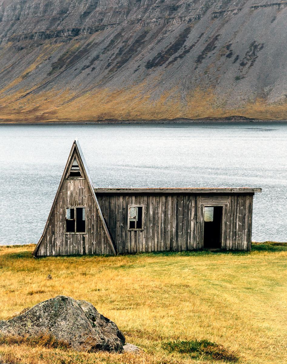 Abandoned Icelandic House-2.jpg