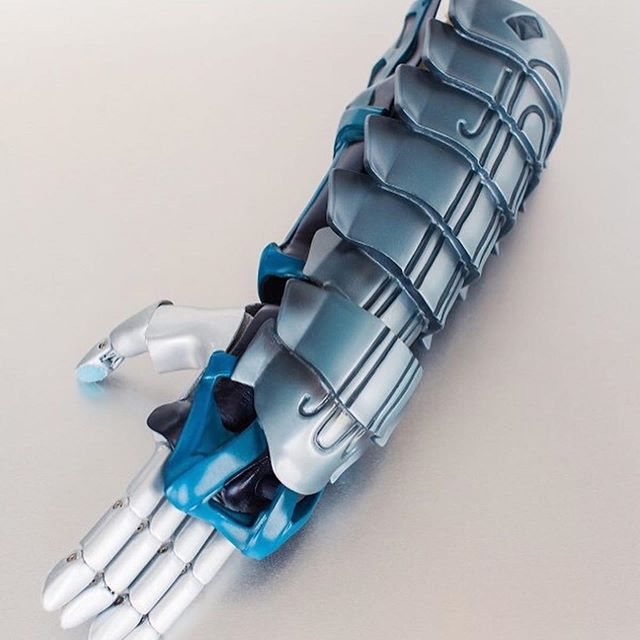Newest @halo arm offered by @Limbitless3D: The Arbiter! Come see this out-of-this-world design @officialmegacon. Check out the link in our bio for more information! . . . . . . #Halo #Alien #bionic #villain #3dprinted #cosplay #scifi #space #fantasy #videogame #gaming #technology #TechNews #artsatucf #gamingforeveryone