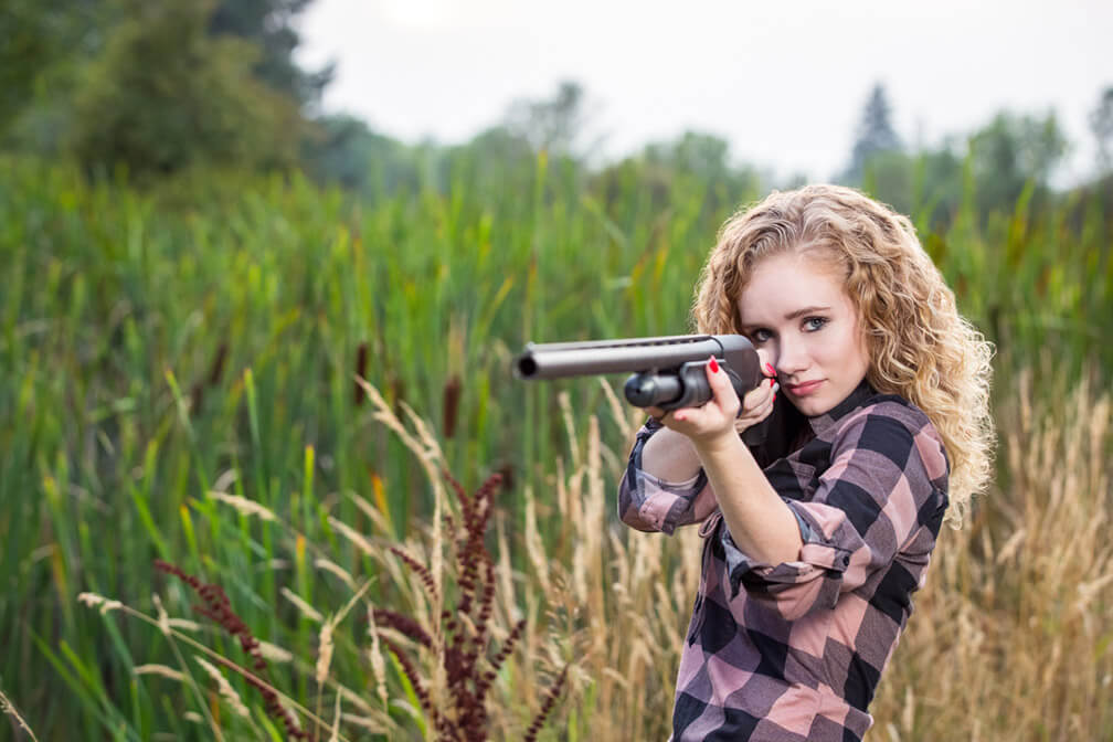 Senior-photos-with-shotgun.jpg