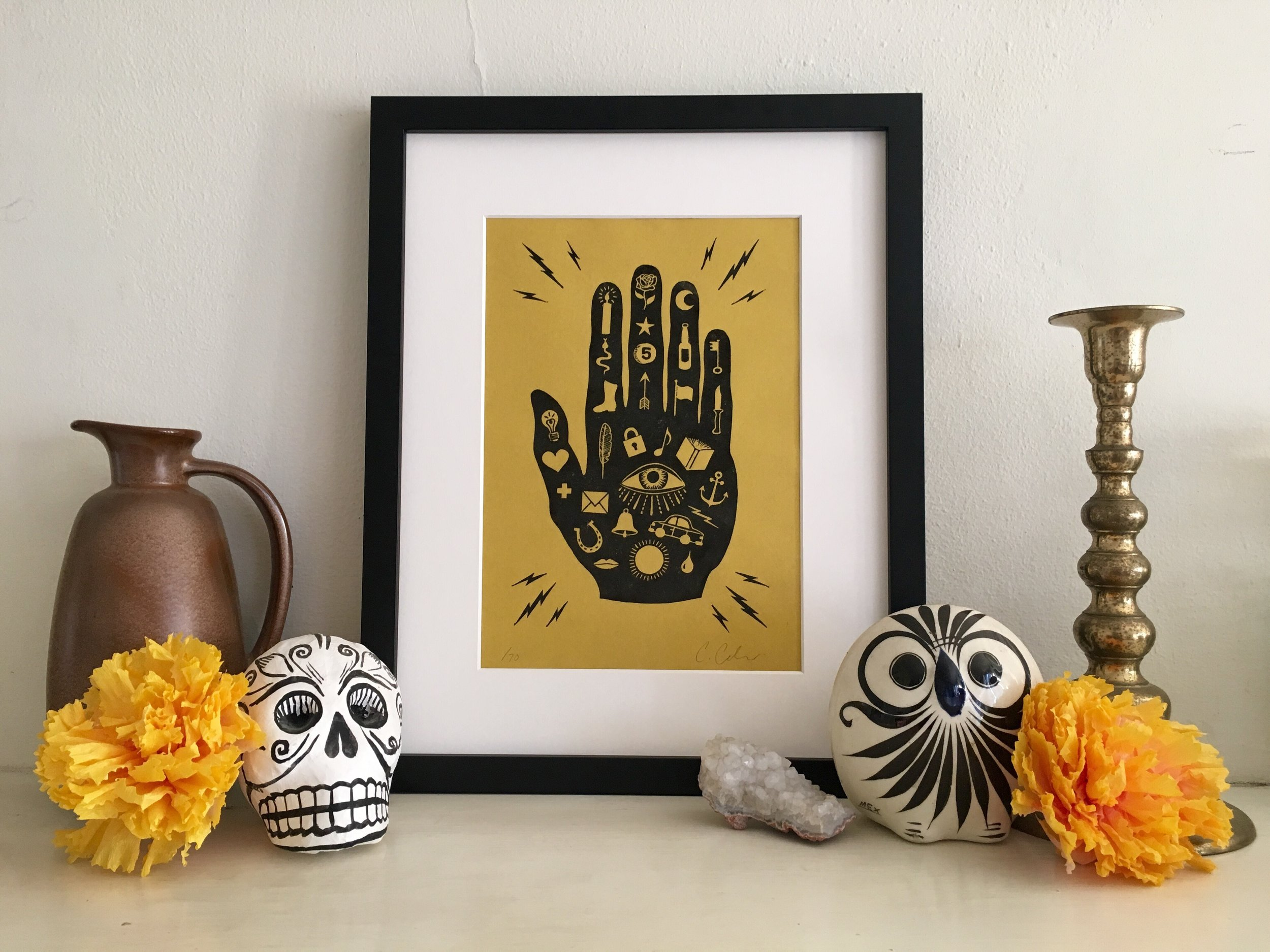 Mano con Ojo Print, Black on Gold