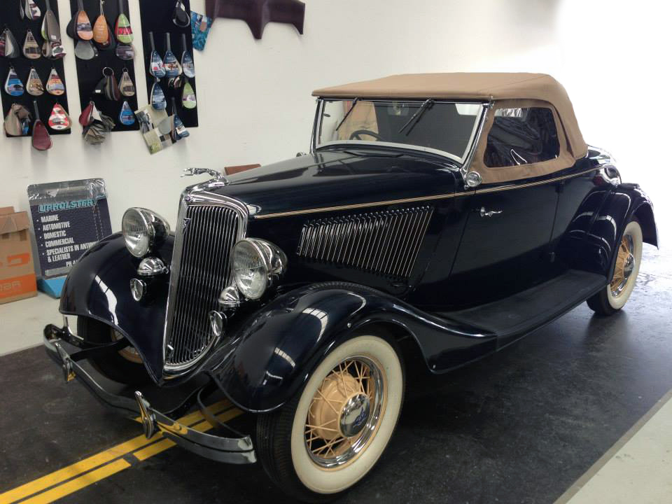 1934 Ford - Bonnie and Clyde's Getaway Car. Soft Top and Full Interior.jpg