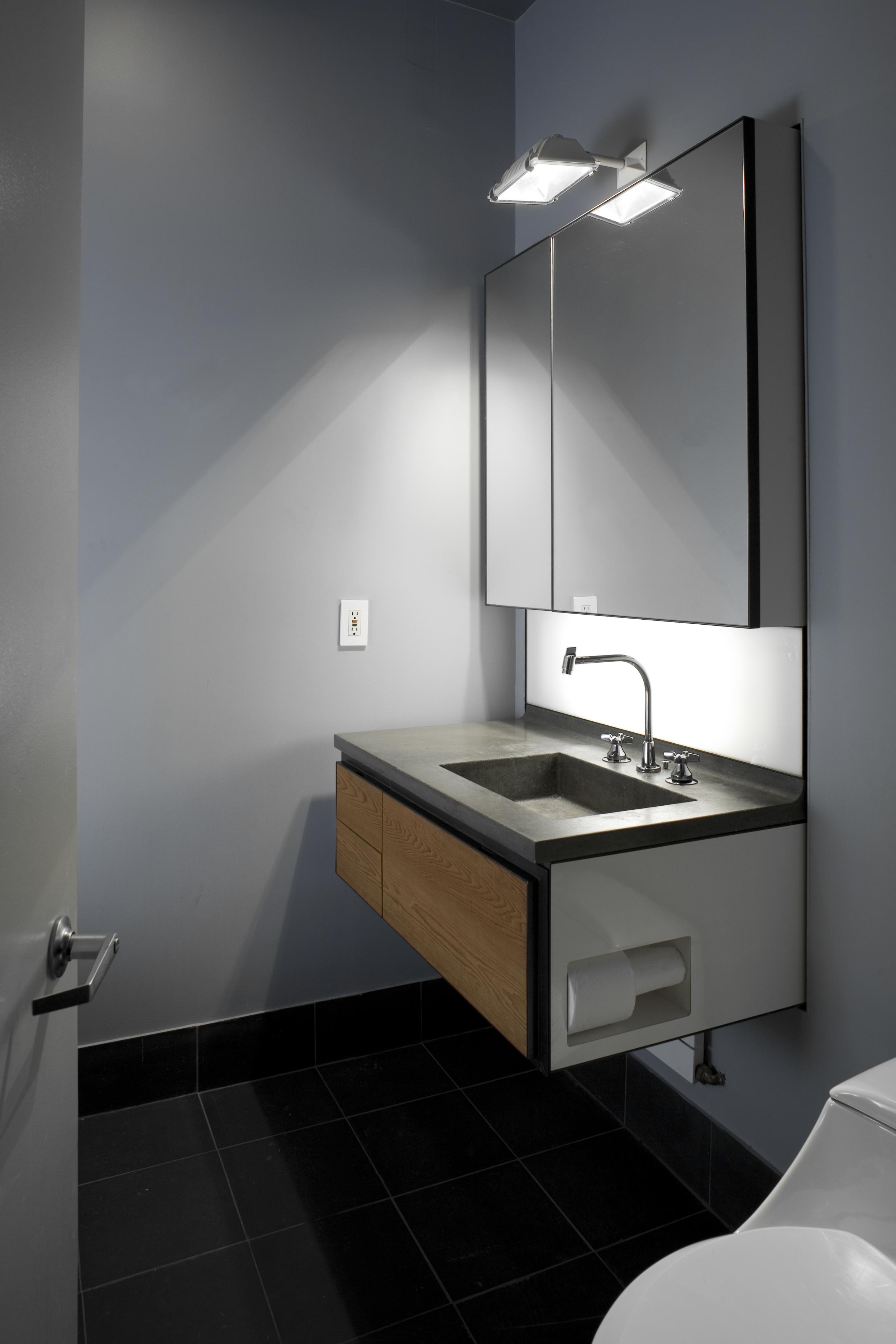 Ian Bathroom.jpg