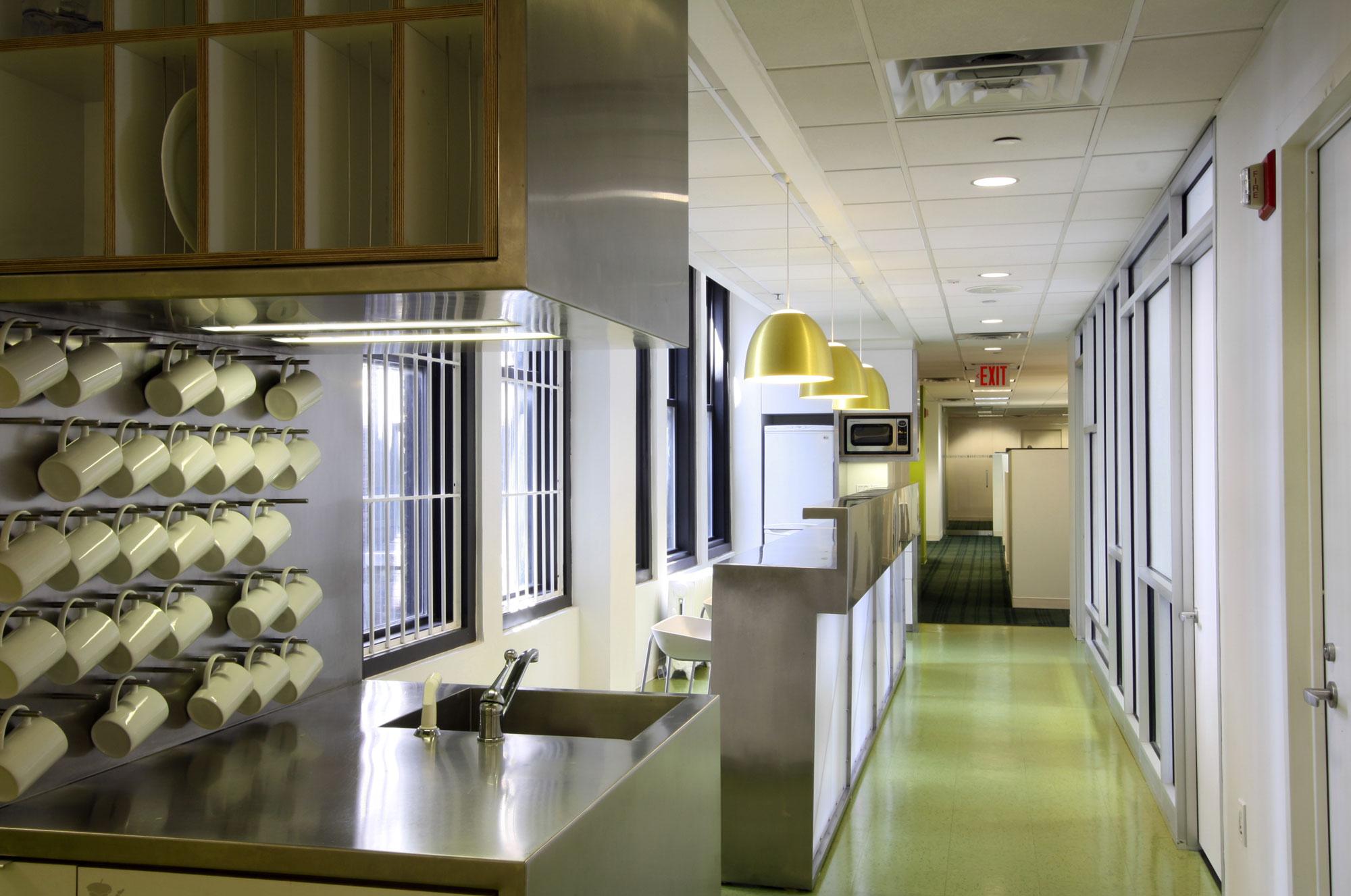 H&S_FL10_kitchen-bar.jpg