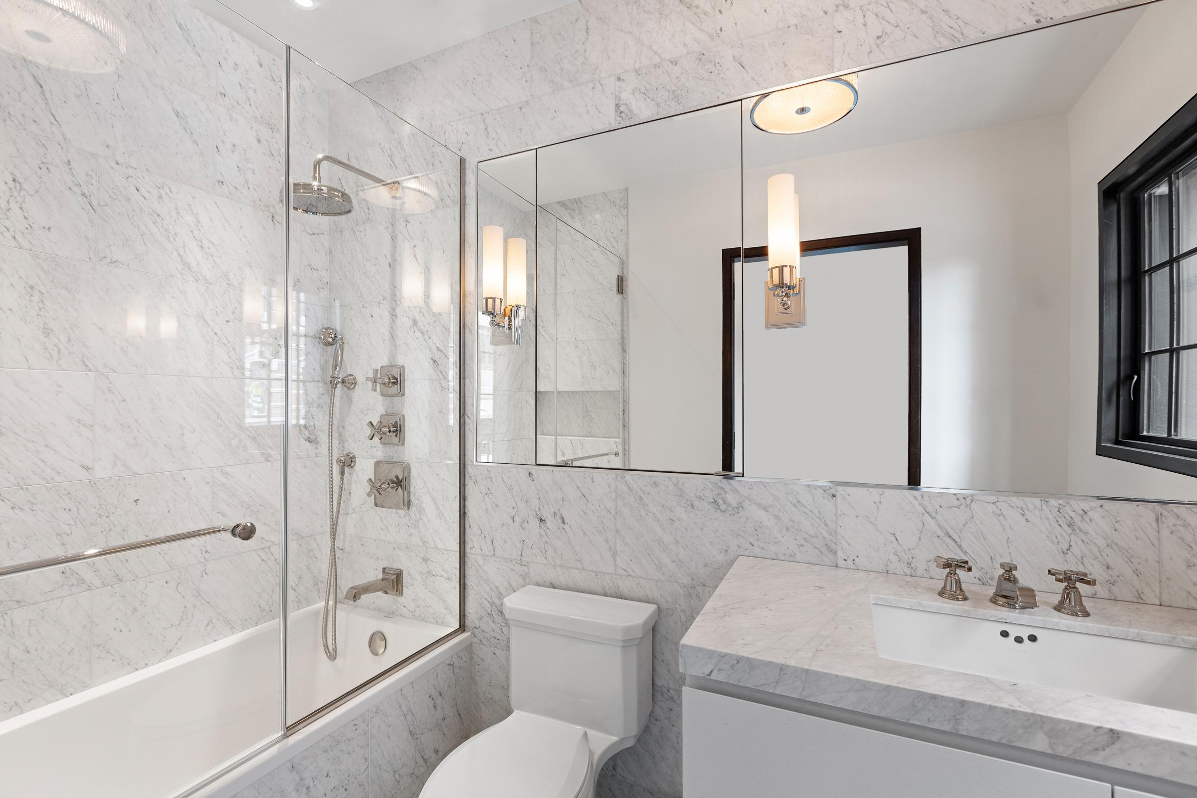 Thompson_Bathroom-03.jpg