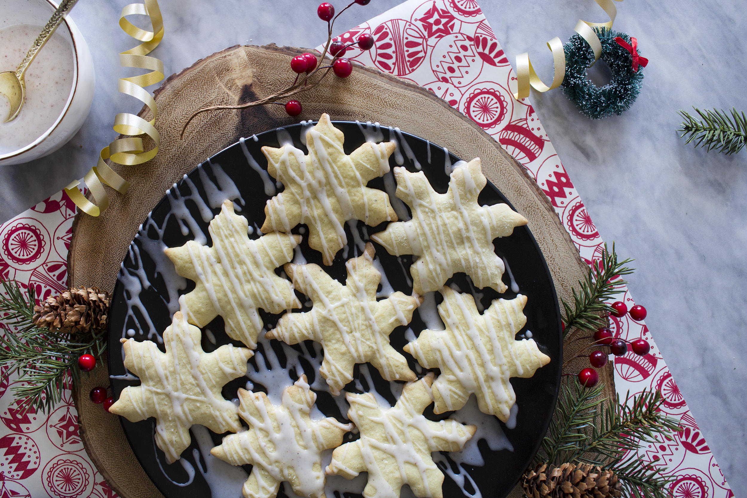 Eggnog Snowflakes by The Everyday Mess