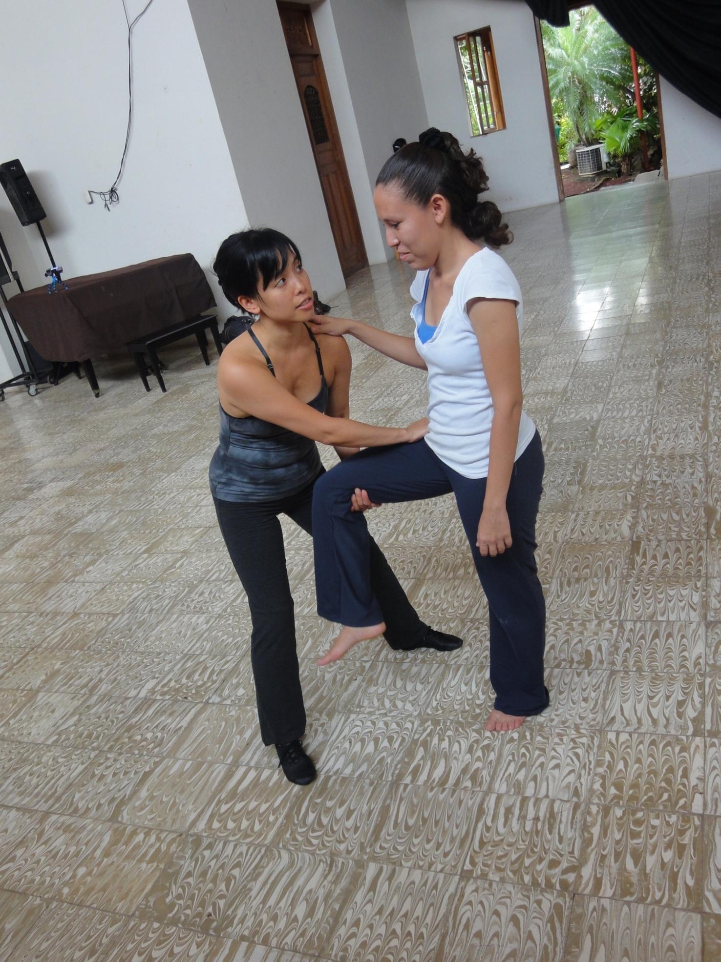 Jennifer teaching in Granada.