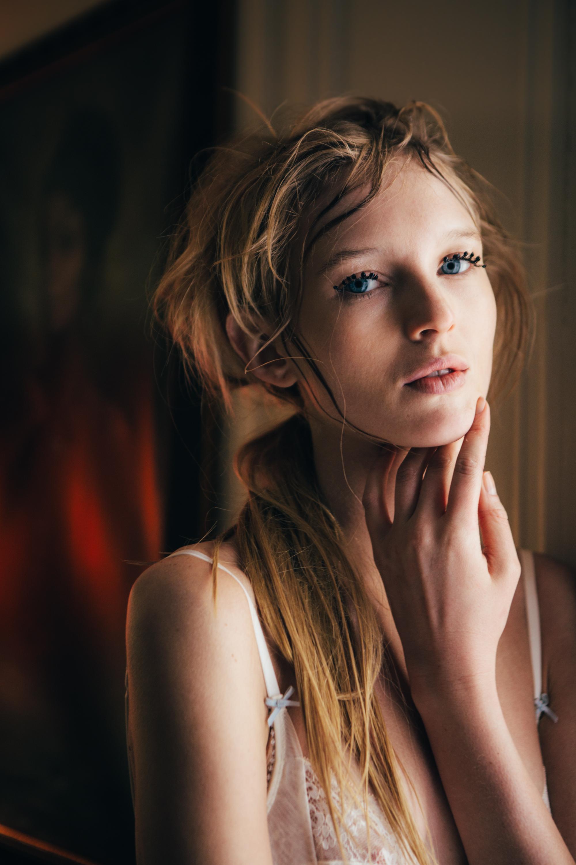 VERA_WANG_Video1_Bedroom_Marianna_Jamadi-7.jpg
