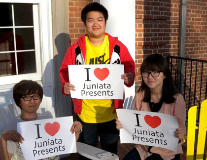 Juniata students showing Juniata Presents <3