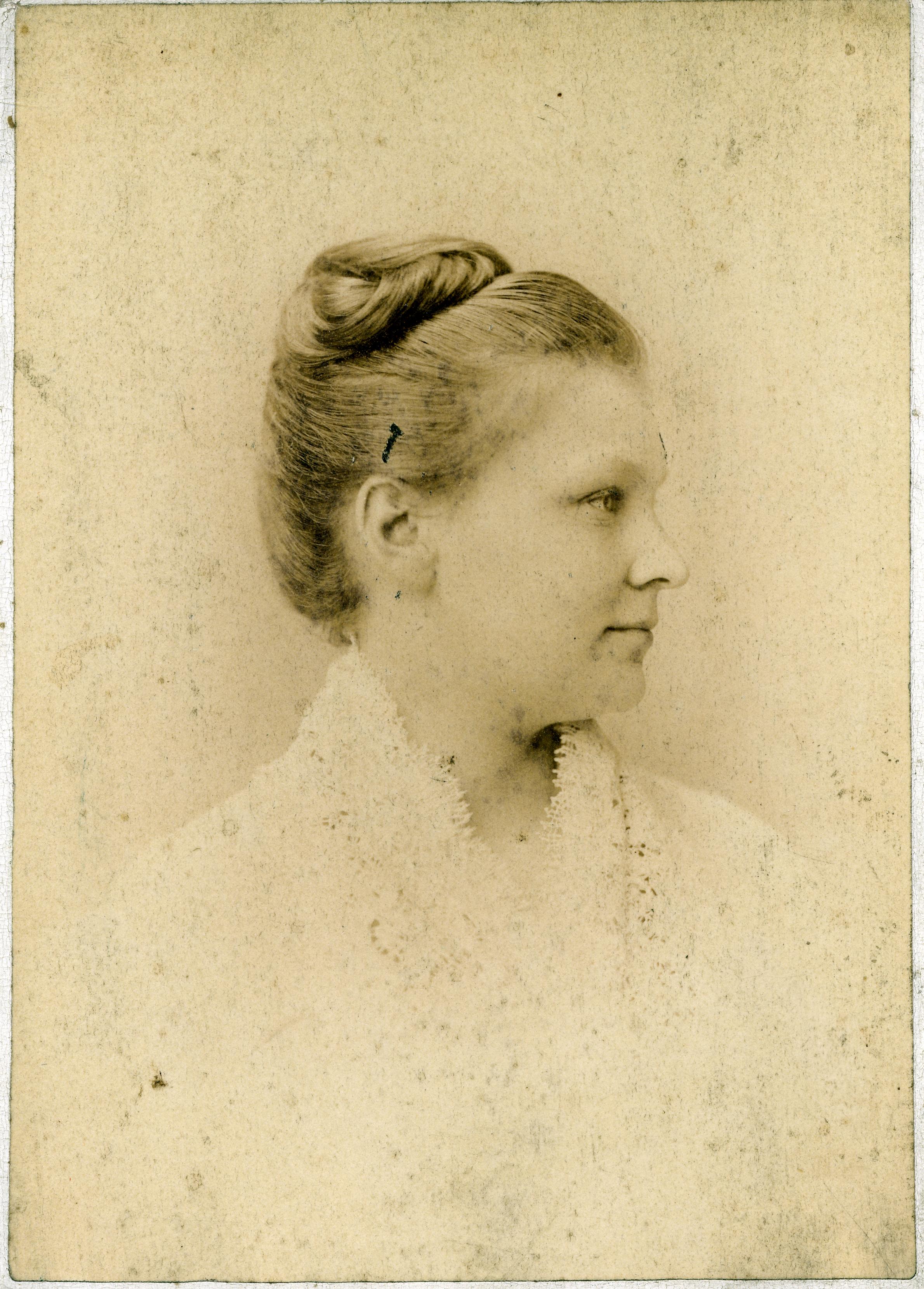 PPH-Ruth Huntington formal portrait 2-Bx 136.jpg