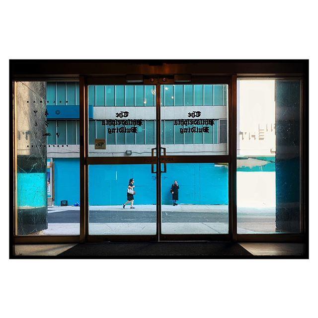 The Philadelphia Building. . . . #fujifilm  #x100f #streetphotography #everybodystreet #friendsinperson #challengerstreets #photoobserve #myspc #life_is_street #capturestreets #friendsinstreets #streetphotographerscommunity #spicollective #framed_legit #human_in_geometry #lensculture #zonestreet #streets_storytelling #storyofthestreet #lensonstreets #magnumphotos #apfmagazine #eyeshotmag #myfeatureshoot #streets_unseen #lightbox #harrygruyaert #thestreetrover #nonstopstreet