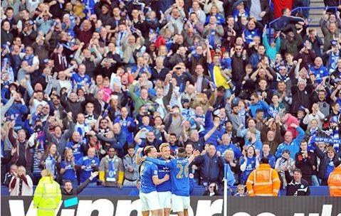 El King Power se entregó desde el primer minuto (Fotografía: Leicester City)