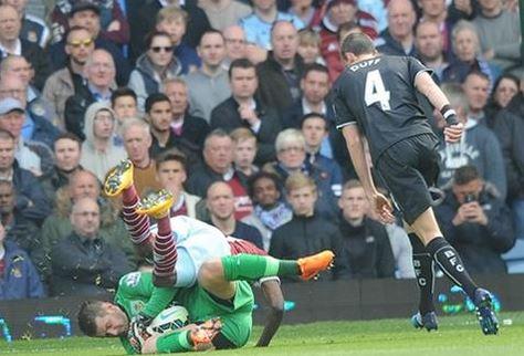Heaton evitó una derrota aún más dura ante el West Ham (Fotografía: Burnley FC)
