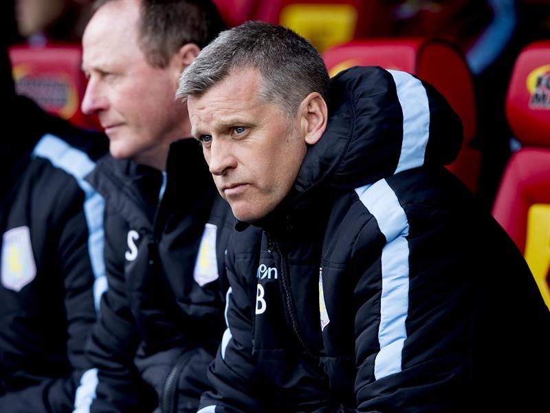Eric Black, en el banquillo de Vicarage Road | Fotografía: Aston Villa FC