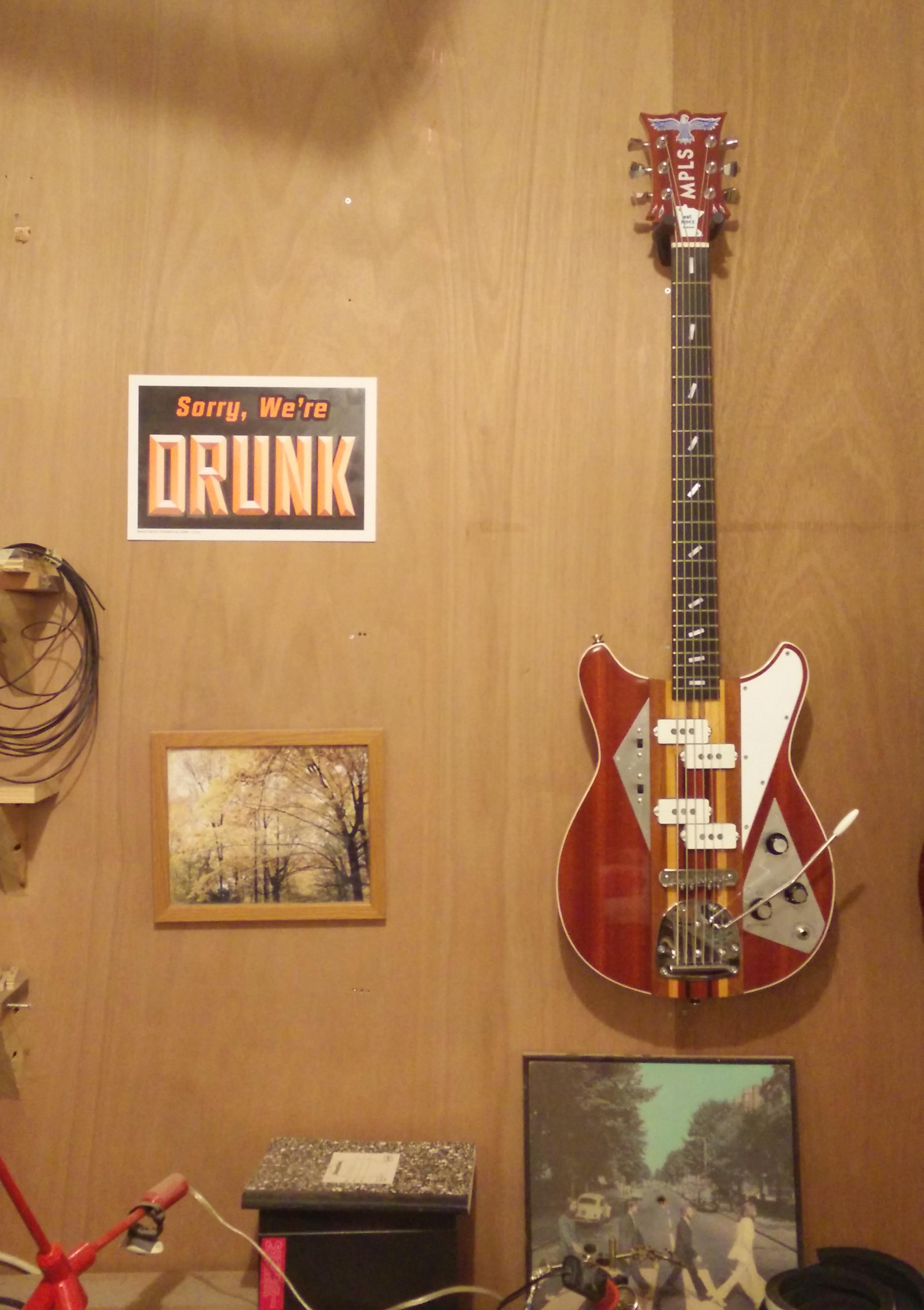 Guitar - Bass Six