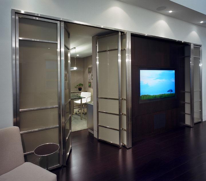10_Great Room Glass Doors.jpg