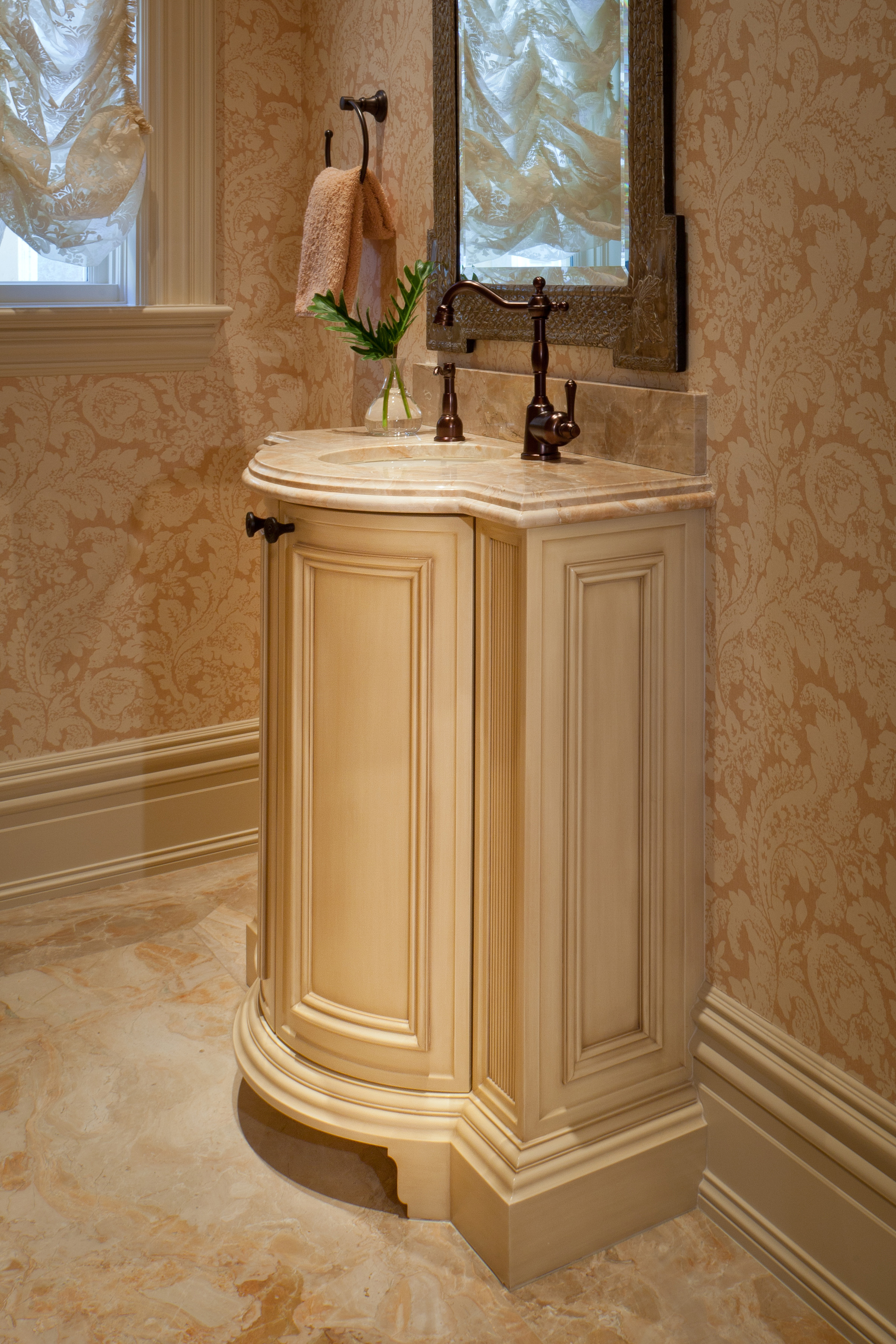 20_Bathroom Vanity.jpg