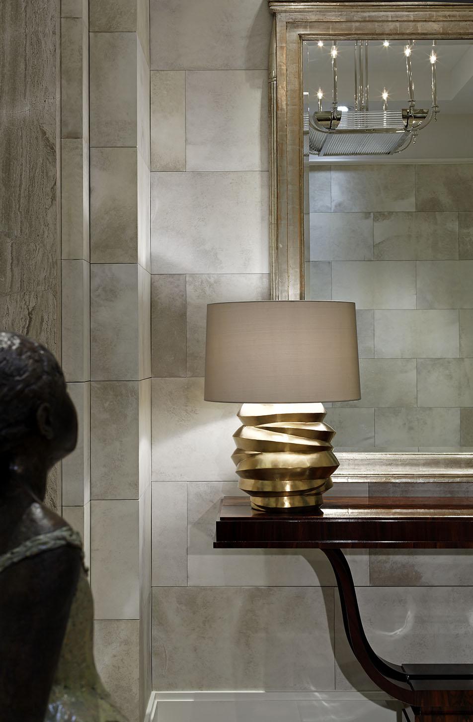 2_Foyer Lamp Detail.jpg