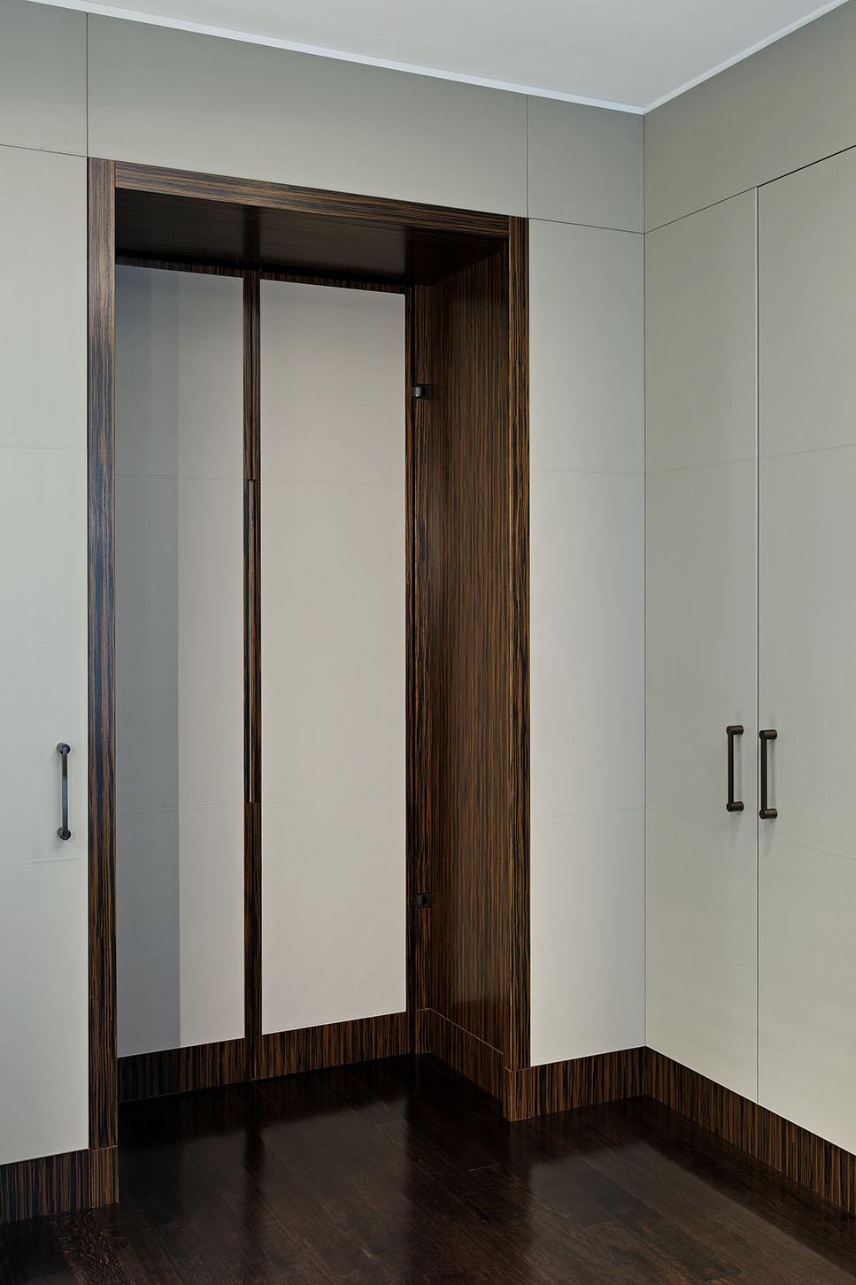 29_Doorway Closed.jpg