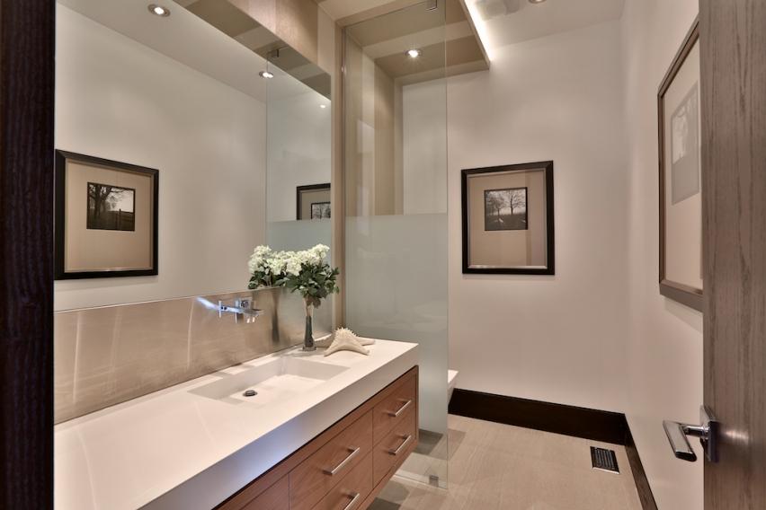 25_Bathroom2.jpg