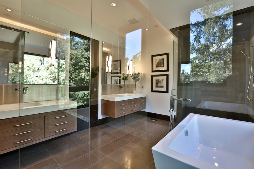 22_Master Bathroom.jpg