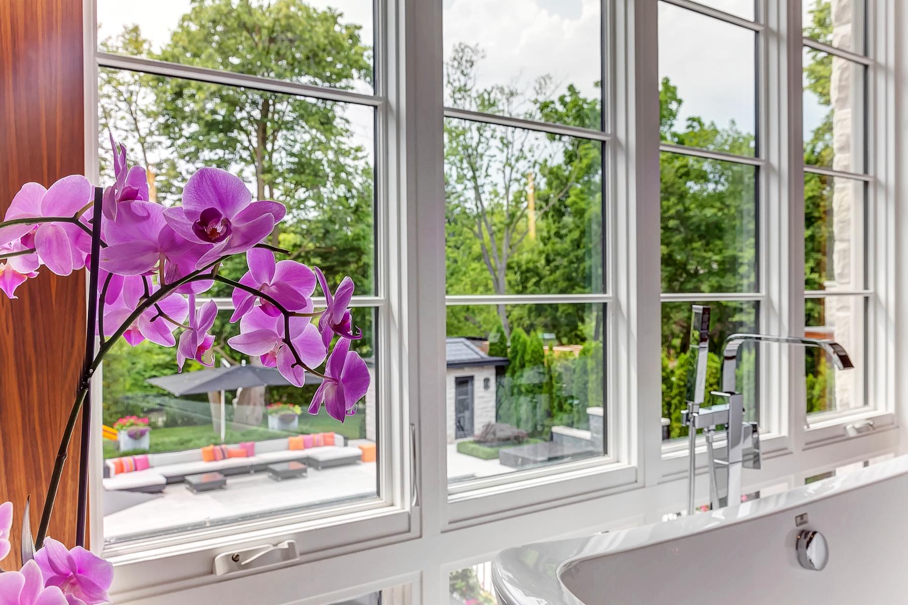 34_Bathroom_View.jpg