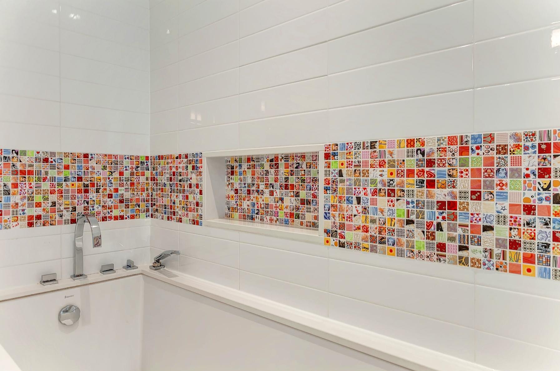 38_Kids_Bathroom.jpg