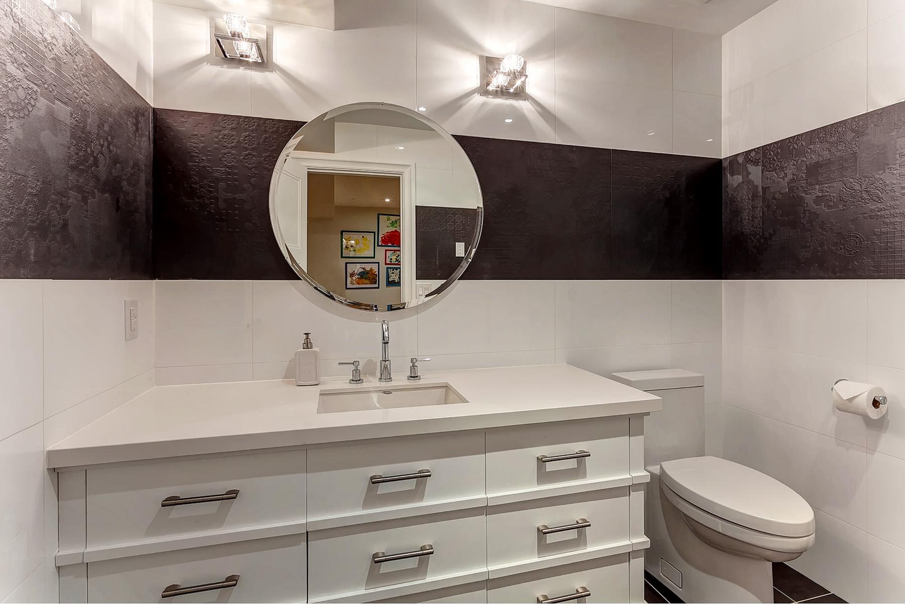 50_Bathroom.jpg