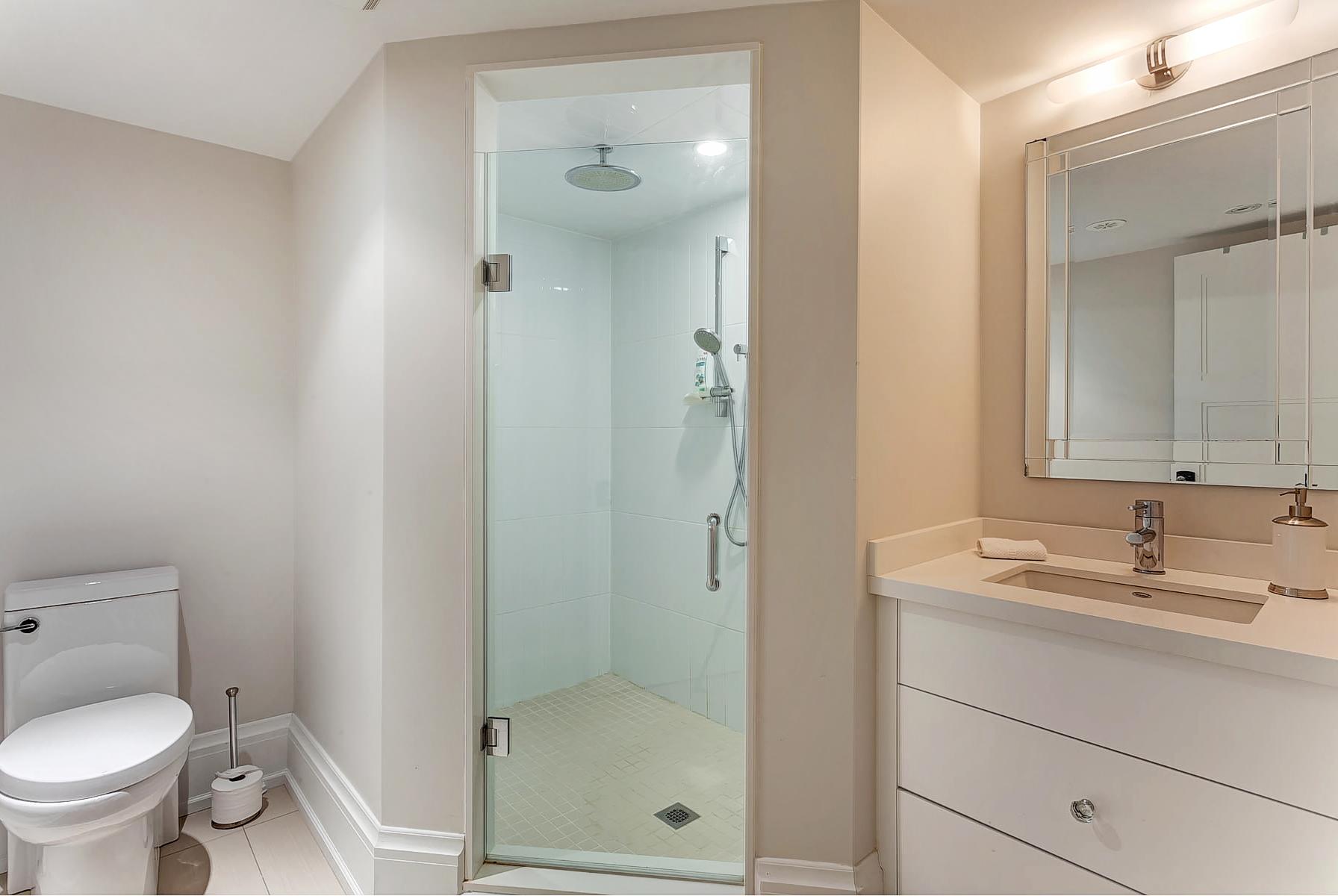 53_Bathroom.jpg