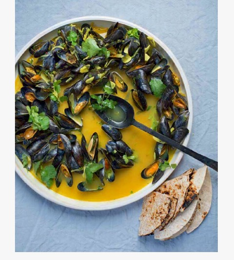 GOLDEN MUSSELS,LIME & CHILLI BUTTER IN ARRACK -